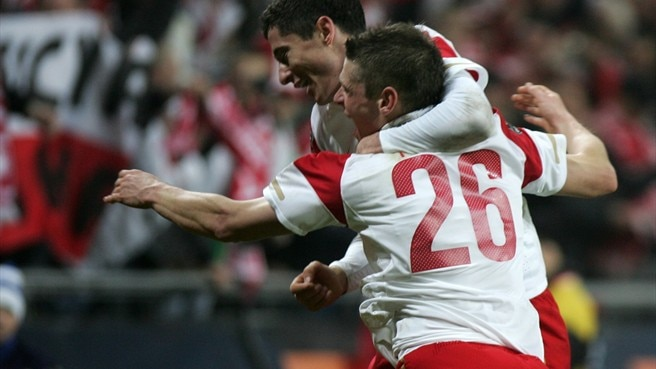 Lewandowski puts Poland back on track