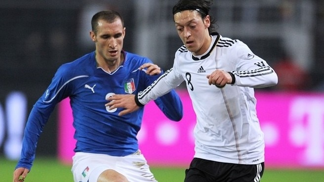 Rossi earns Italy draw in Germany