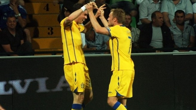 Elmander spurs Sweden success against Moldova