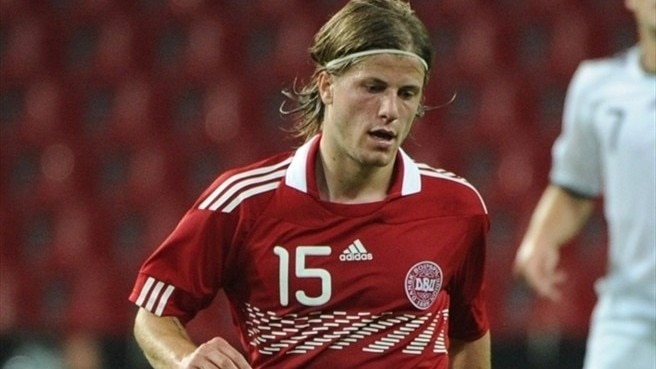 Denmark midfielder Schøne to shine at Ajax