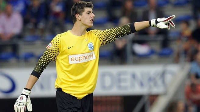 Courtois loaned to Atlético after Chelsea move
