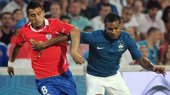 Chile hit back to hold France