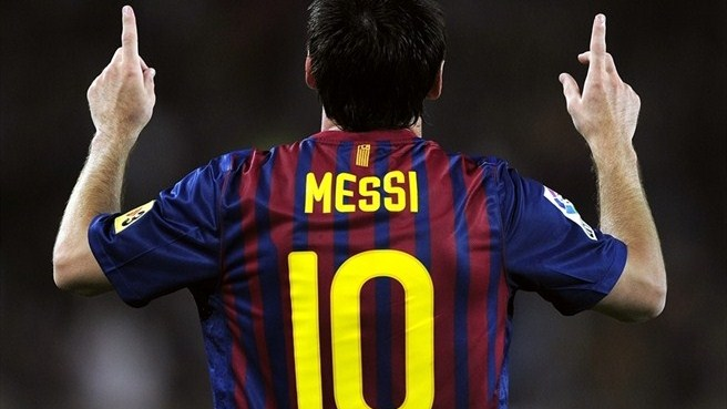 Messi shines again as Barcelona claim Super Cup