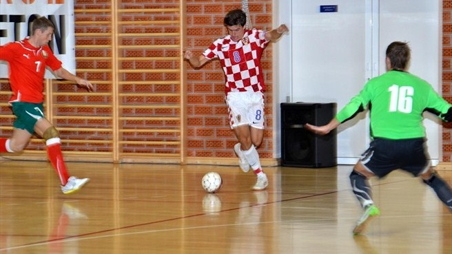 Croatia boosted by Belarus victories