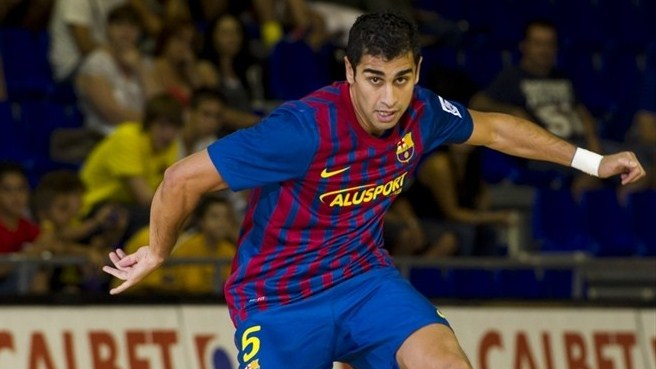 Carmona cool as Barcelona glory bid begins