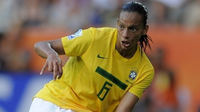 Lyon swoop for Brazilian midfielder Rosana