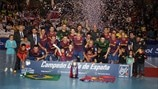 Barcelona celebrate as rivals falter