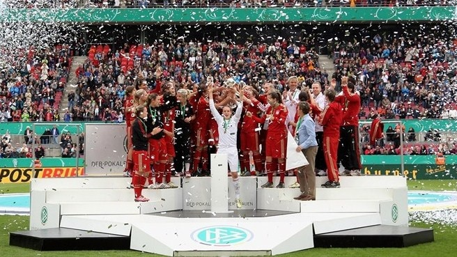Bayern stun Frankfurt to claim first women's cup