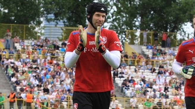 Čech tells Czechs to undo opening day mess