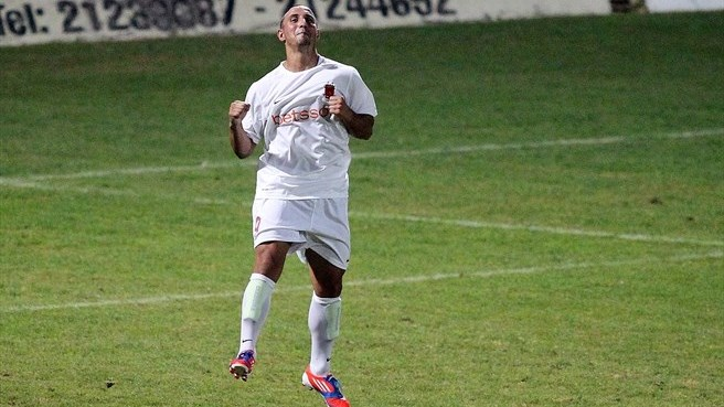 Magical Mifsud helps Valletta overpower Lusitans