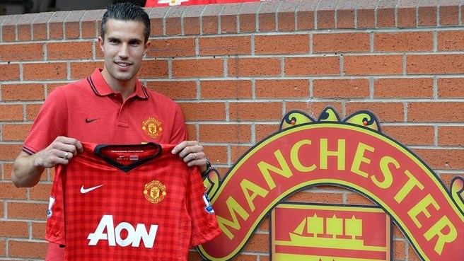 Van Persie 'honoured' by Manchester United move