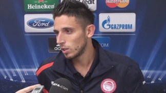 Olympiacos beat Montpellier to close on top two