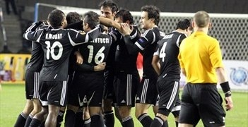 Neftçi celebrate Flavinho's goal but they could not hold on for three points