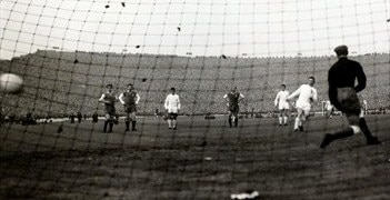 Madrid's Ferenc Puskás scores a penalty against Eintracht in the 1960 European Cup final