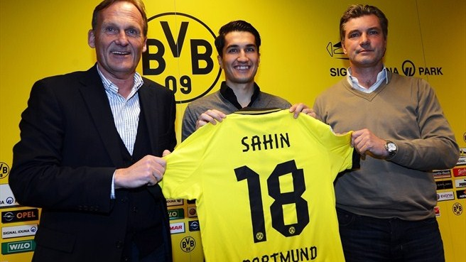 Şahin leaves Liverpool to make Dortmund return
