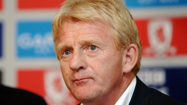 Scotland select Strachan to replace Levein