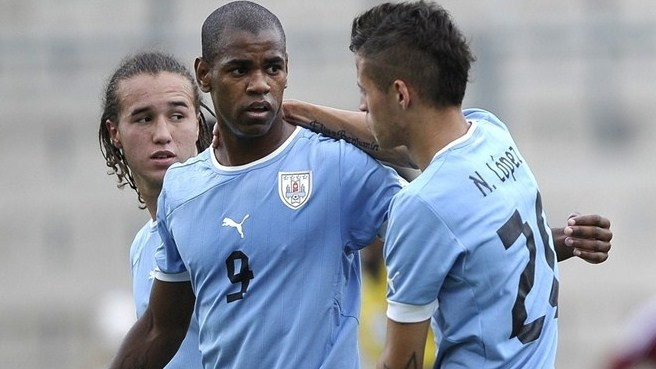 Bordeaux seal deal for Uruguay teenager Rolán