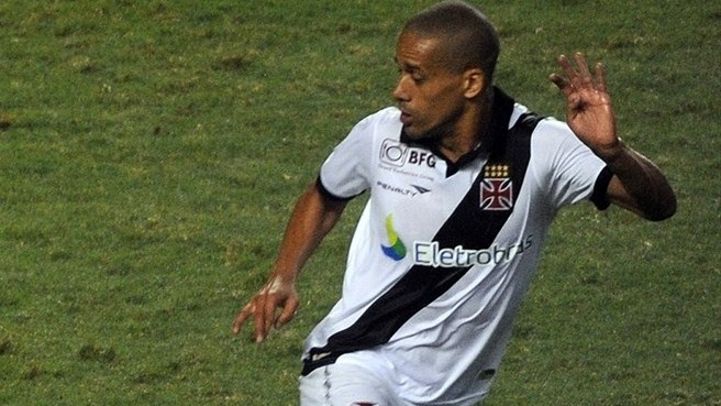 Dnipro secure services of Vasco da Gama's Douglas