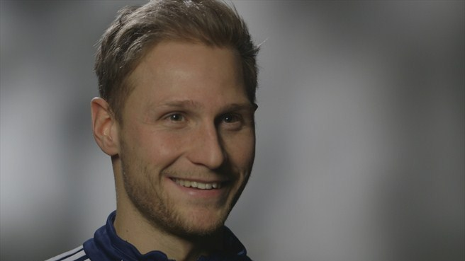 'Proud' Höwedes cherishes Schalke role