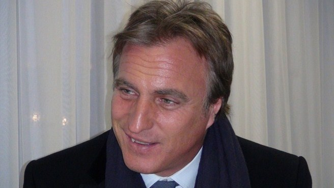 Ginola takes your Twitter questions