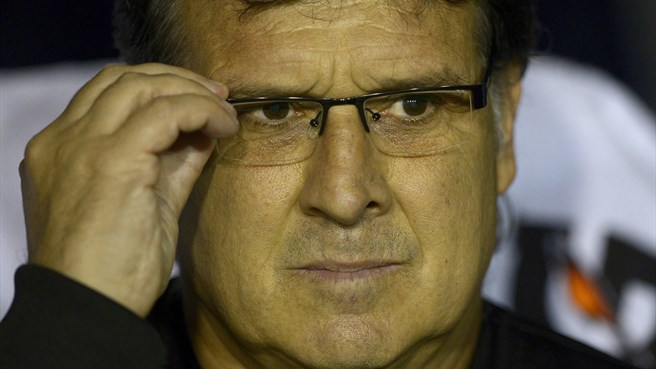 Barcelona name Martino as Vilanova replacement