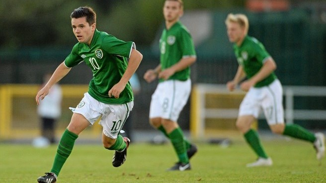 Kelly strike helps Ireland top Sweden