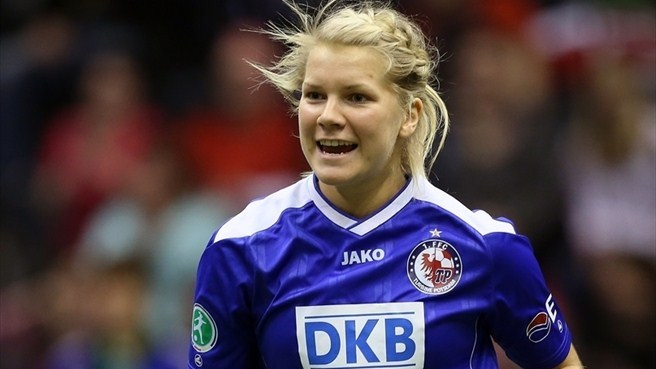 Hegerberg taken to Lyon