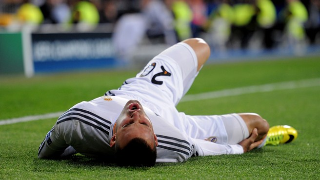 Madrid victory tarnished by Jesé knee injury
