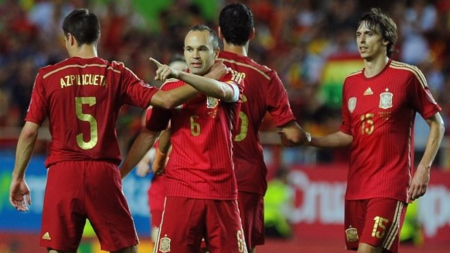 Spain stroll past Bolivia in Seville