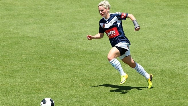 Frankfurt sign Fishlock, new Wolfsburg deals