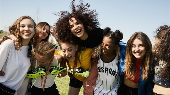 Report shows how football boosts girls' confidence