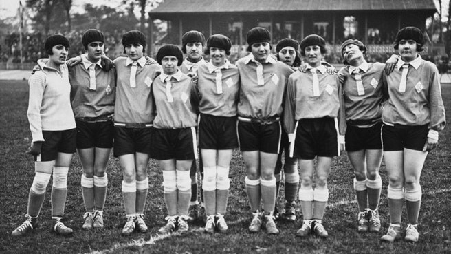UEFA co-sponsors memorial to renowned English women's team