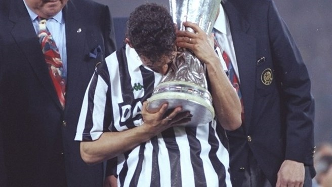 1992/93: Juventus claim record third success