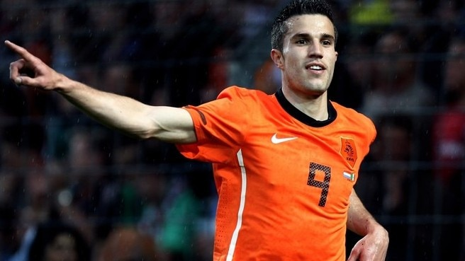 Van Persie hits form for Oranje