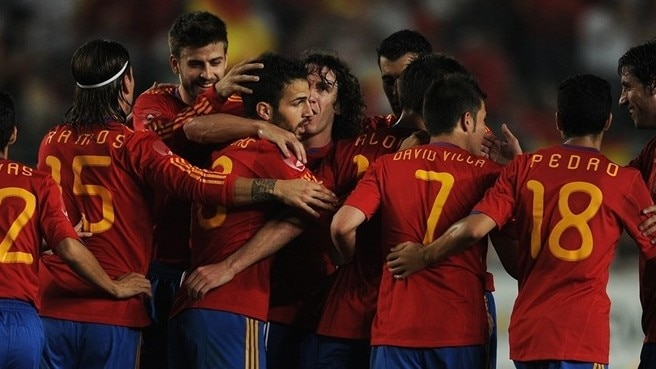 Incendiary Spain bid farewell with a flourish