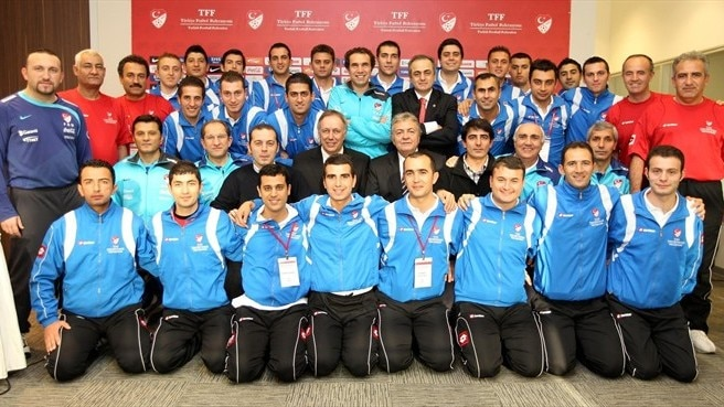 Turkish Football Association hold referee course