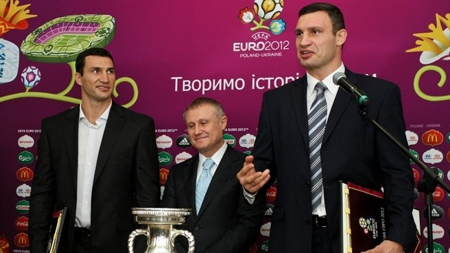 Klitschko brothers lend heavyweight backing