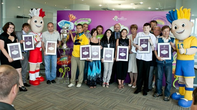 Quiz masters win Friends of EURO status