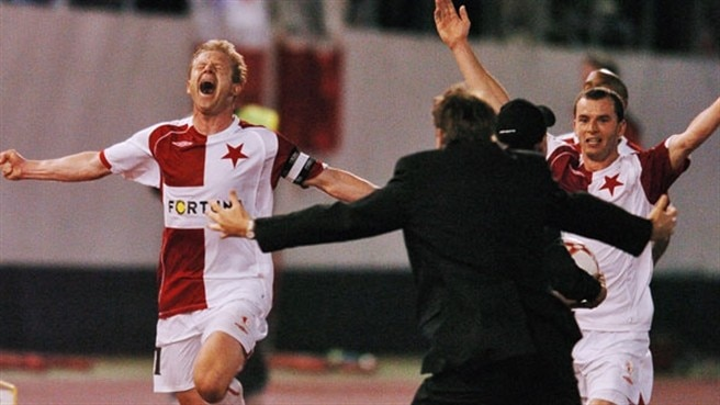 Vlček sparks Slavia celebrations