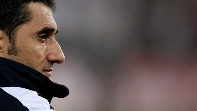 Olympiacos call time on Valverde reign