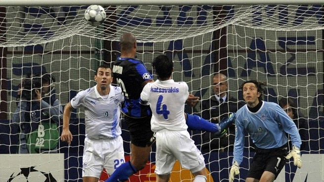 Adriano sends Inter clear of the pack