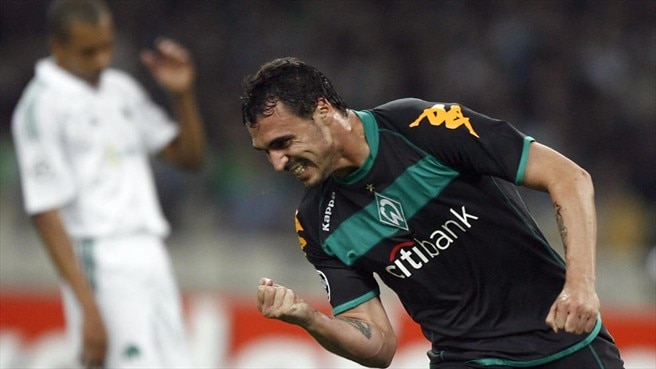 Panathinaikos held up by Hugo Almeida