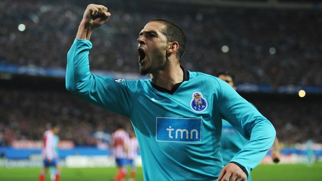 Lisandro keeps Atlético in Porto's sights