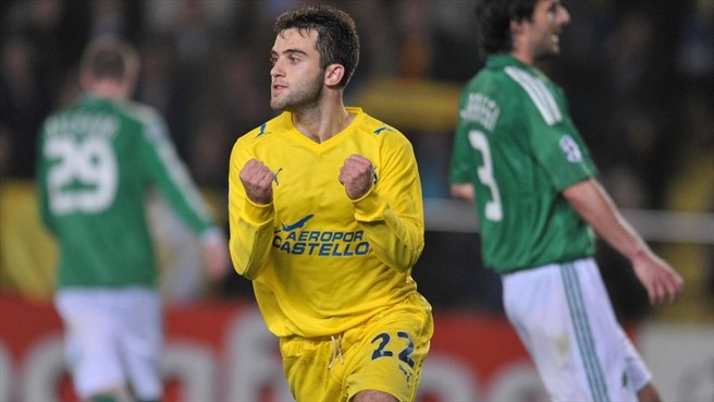Rossi to the rescue for Villarreal