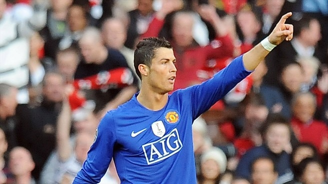 Ronaldo leads ruthless United to Rome