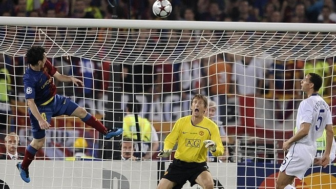Lionel Messi heads in Barcelona's second goal after 70 minutes