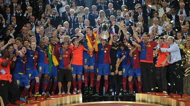 Stylish Barcelona take United's crown