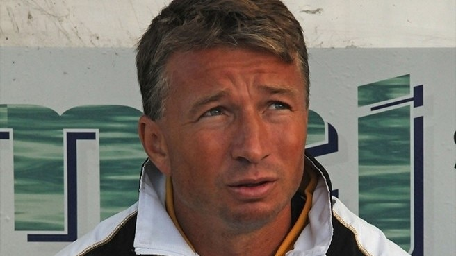 Petrescu takes leaf from Sir Alex's book