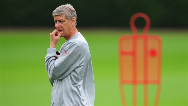 Wenger shows Olympiacos respect