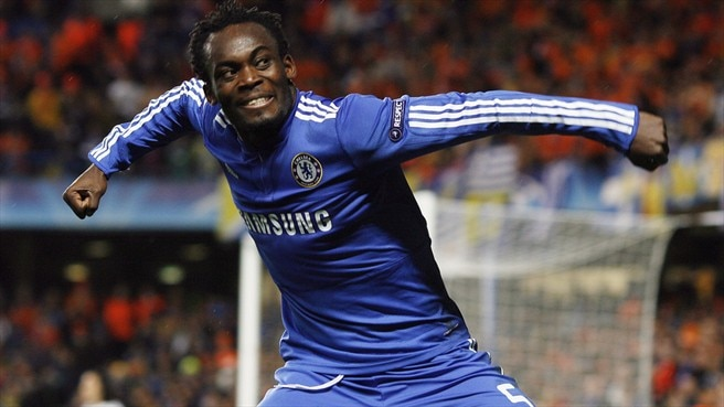 Essien signs 'important contract'